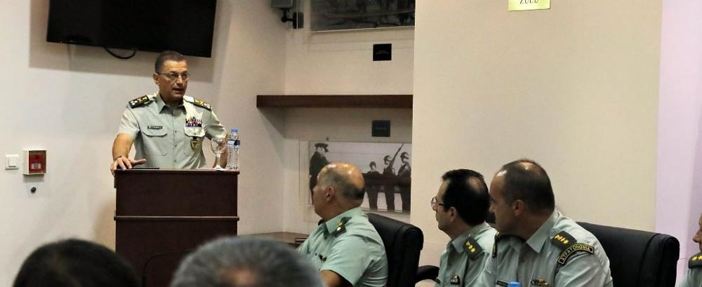 Παρουσία Αρχηγού ΓΕΣ στο Επιμορφωτικό Σεμινάριο Διοικητών Σχολών του Στρατού Ξηράς