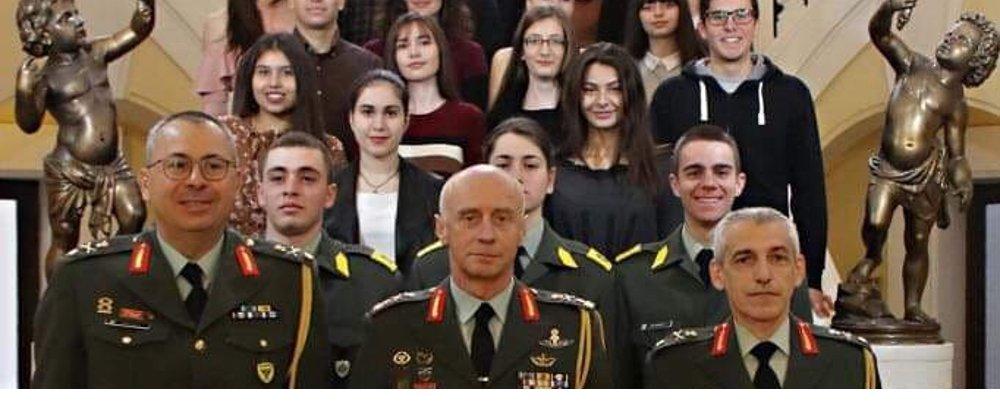 Βράβευση Αριστούχων Μαθητών Τέκνων του Στρατιωτικού και Πολιτικού Προσωπικού του Στρατού Ξηράς